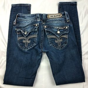 ROCK REVIVAL Stephanie Skinny Size 26 Jeans. EUC.